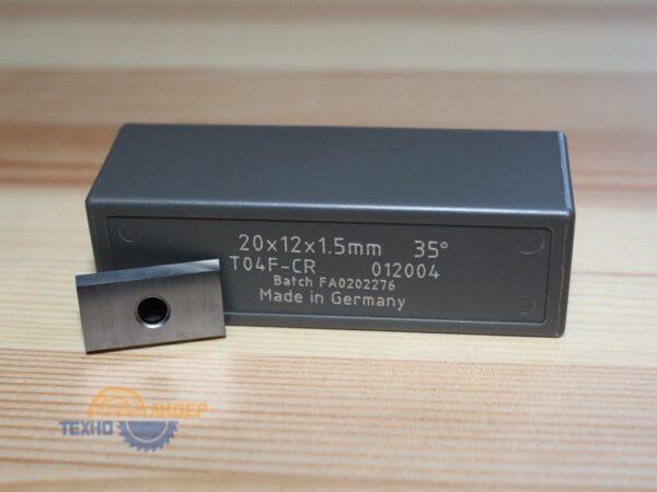 Нож сменный универсальный 20х12х1.5 T04F Tigra 012004
