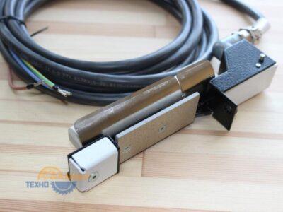 2-023-80-1581 Керамический нагреватель D16. 300W. 400V с креплением