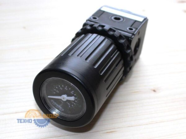 4-011-04-0785 Клапан регулирующий NL2 G1/4 0.5-10BAR с манометром