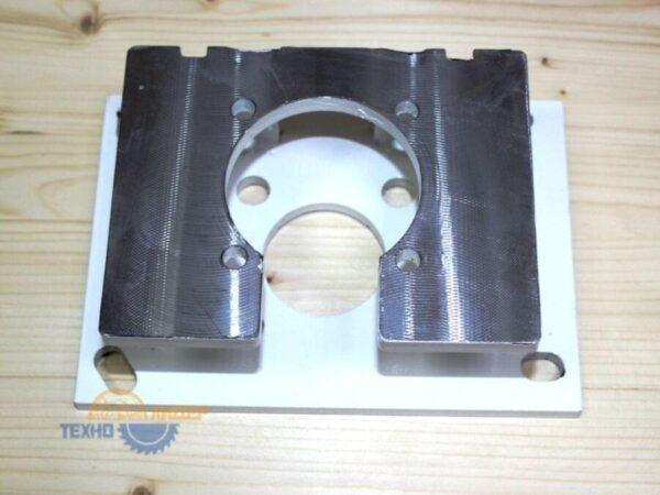 2-010-92-5900 Кронштейн мотора-редуктора HPP230